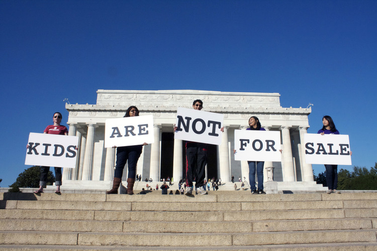 Lincoln_Memorial_Kids_Are_Not_for_Sale.jpg